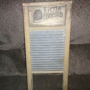 1920 Little monarch washboard
